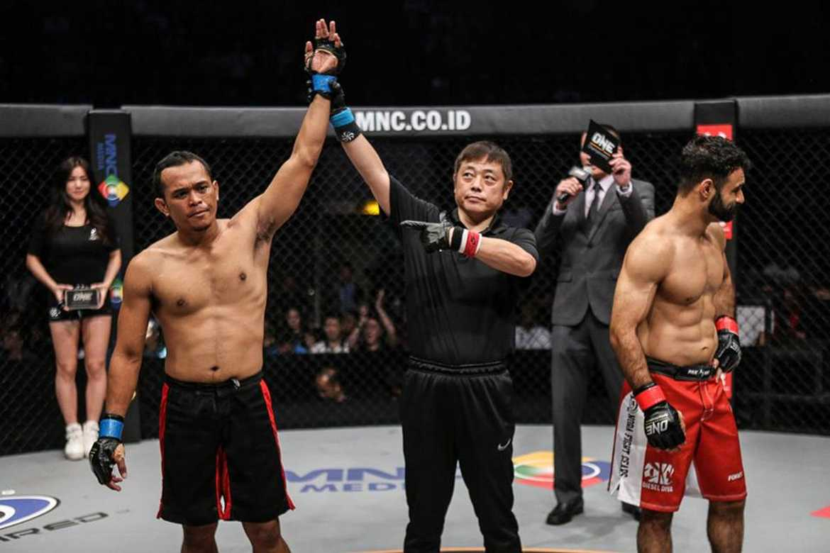 Tiebreaker Times Two Filipino fighters set for ONE: Ascent to Power in Singapore Mixed Martial Arts News ONE Championship  Roger Gracie ONE Ascent to Power Jimmy Yabo Evolve MMA Christian Lee Cary Bullos Benedict Ang Angela Lee