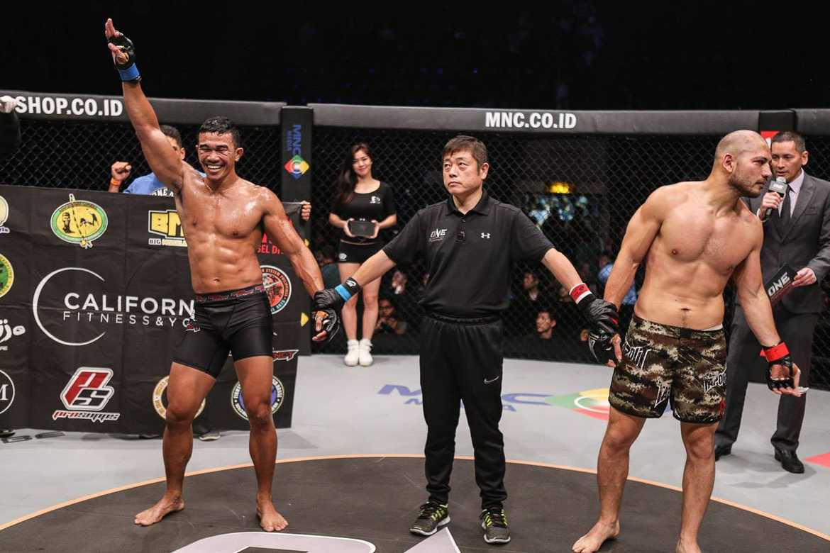 Tiebreaker Times 'Jun Minion' upsets Indonesian foe; Yabo silences opponent Mixed Martial Arts News  Trestle Tan Rocky Batolbatol ONE Tribe of Warriors ONE Championship Jimmy Yabo Djatmiko Waluyo Bashir Ahmad Anthony Engelen