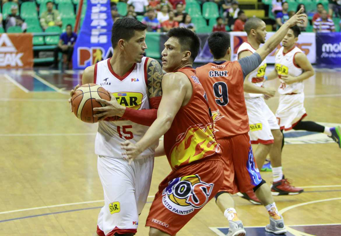 Tiebreaker Times Pingris, Yap admit tension; huddle team for players-only meeting Basketball News PBA  Star Hotshots PBA Season 41 Marc Pingris James Yap 2016 PBA Commissioners Cup
