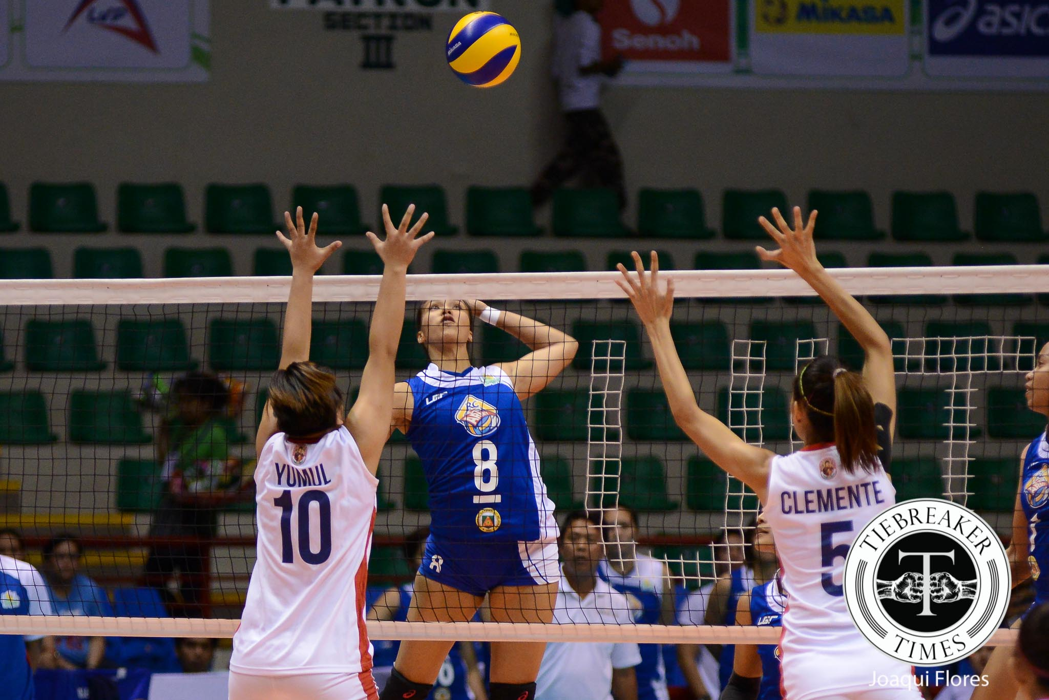 Philippine Sports News - Tiebreaker Times RC Cola - Army completes sweep of first phase, wrecks New San Jose News PSL Volleyball  Royse Tubino RC Cola Army Lady Troopers Rachel Anne Daquis New San Jose Builders Victorias Lourdes Clemente Jovelyn Gonzaga Jamela Suyat 2016 PSL Invitational Cup