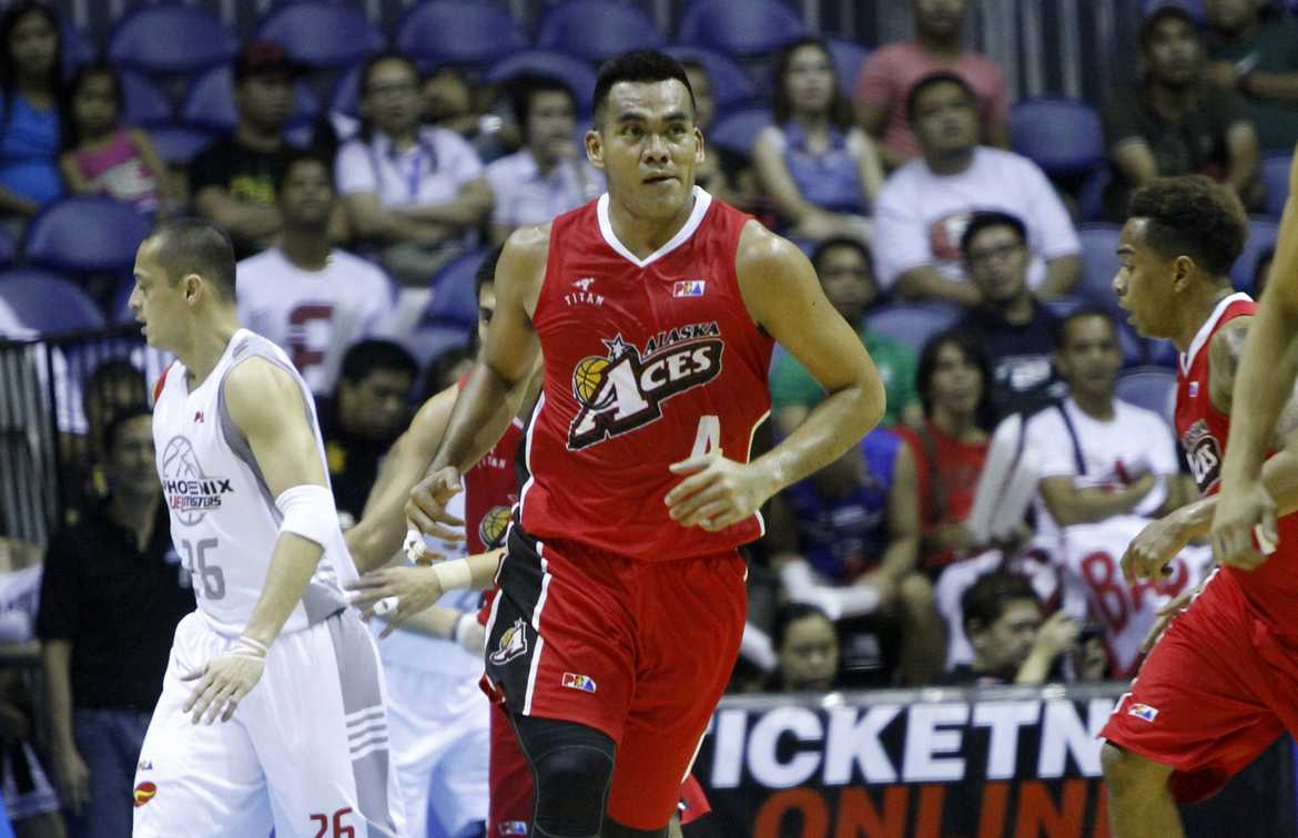 Tiebreaker Times Alaska flips switch in 2nd half, upends Phoenix Basketball News PBA  Vic Manuel Sonny Thoss Shane Edwards RR Garcia Phoenix Petroleum Fuel Masters PBA Season 41 Koi Banal Kevinn Pinkney JC Intal Alex Compton Alaska Aces 2016 PBA Commissioners Cup