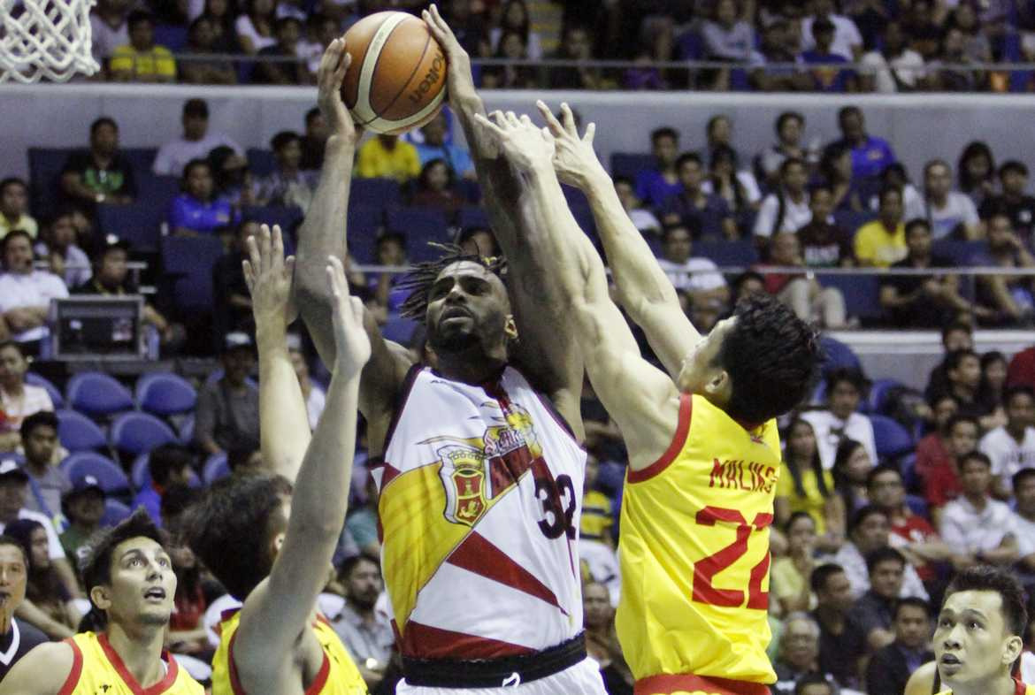Philippine Sports News - Tiebreaker Times Wilkerson, Lassiter combine for 69 as San Miguel routs Star Basketball News PBA  Tyler Wilkerson Star Hotshots San Miguel Beermen Ricardo Ratliffe PBA Season 41 Marcio Lassiter Leo Austria Jason Webb James Yap Allein Maliksi Alex Cabagnot 2016 PBA Commissioners Cup