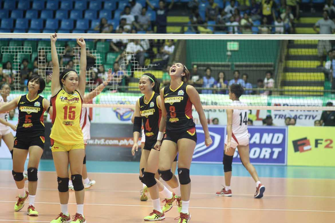 Tiebreaker Times F2 Logistics sends Cignal to the brink News PSL Volleyball  Sammy Acaylar Paneng Mercado Micmic Laborte Len Cortel Jheck Dionela Jeanette Panaga Jannine Navarro F2 Logistics Cargo Movers Cignal HD Spikers Cha Cruz Aby Marano 2016 PSL Invitational Cup