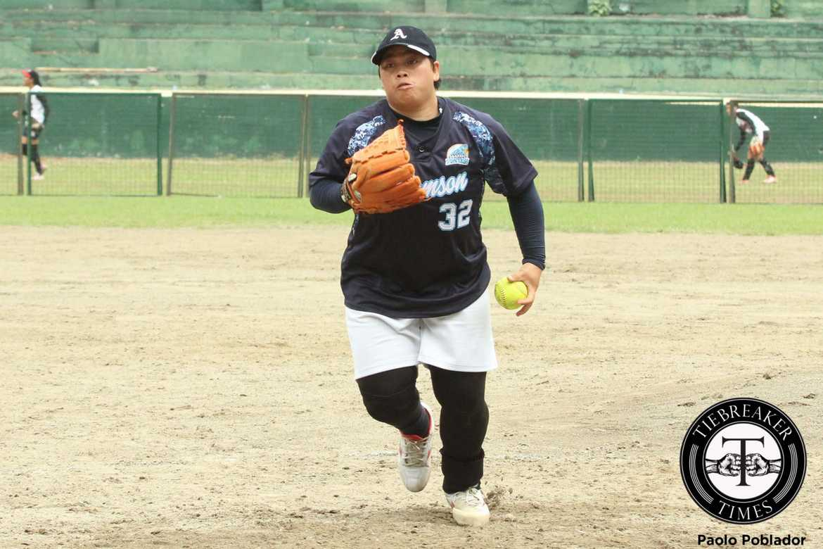 Tiebreaker Times Adamson staves off gallant La Salle stand, one shy of sweep AdU DLSU News Softball UAAP  UAAP Season 78 Softball UAAP Season 78 Sachiel Amores Mary Joy Son Jamica Arribas Gelyn Lamata DLSU Lady Batters Annalie Benjamen Ana Santiago Alex Estipular Adamson Softball