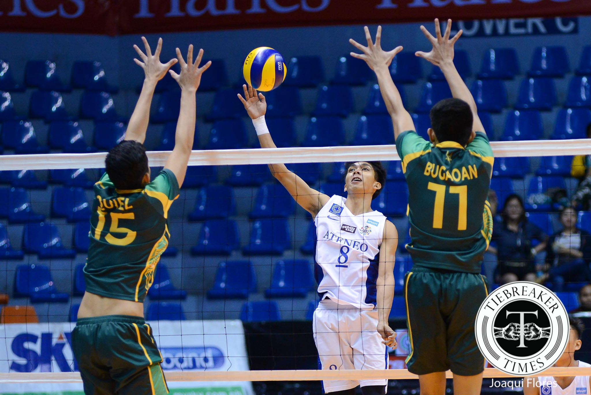 Tiebreaker Times Team effort pulls Ateneo past boisterous FEU squad ADMU FEU News UAAP Volleyball  Ysay Marasigan UAAP Season 78 Men's Volleyball UAAP Season 78 Reynaldo Diaz Oliver Almadro Marck Espejo Jude Garcia Josh Villanueva Jeric Gacutan Greg Dolor FEU Men's Volleyball Ateneo Men's Volleyball