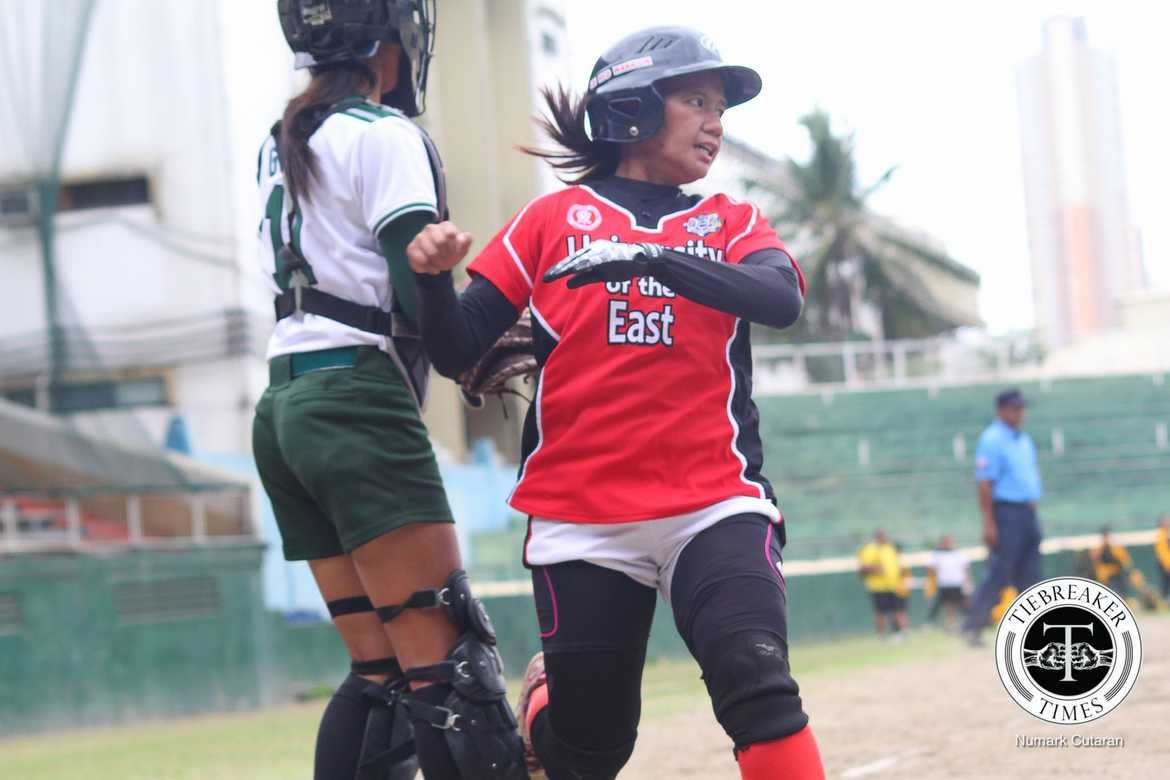 Tiebreaker Times Niloban carries UE past La Salle, keeps F4 hopes alive DLSU News Softball UAAP UE  UE Softball UAAP Season 78 Softball UAAP Season 78 Roxzell Niloban Lovely Joy Redaja Lourdes Blanco Jamica Arribas DLSU Lady Batters Alex Estipular