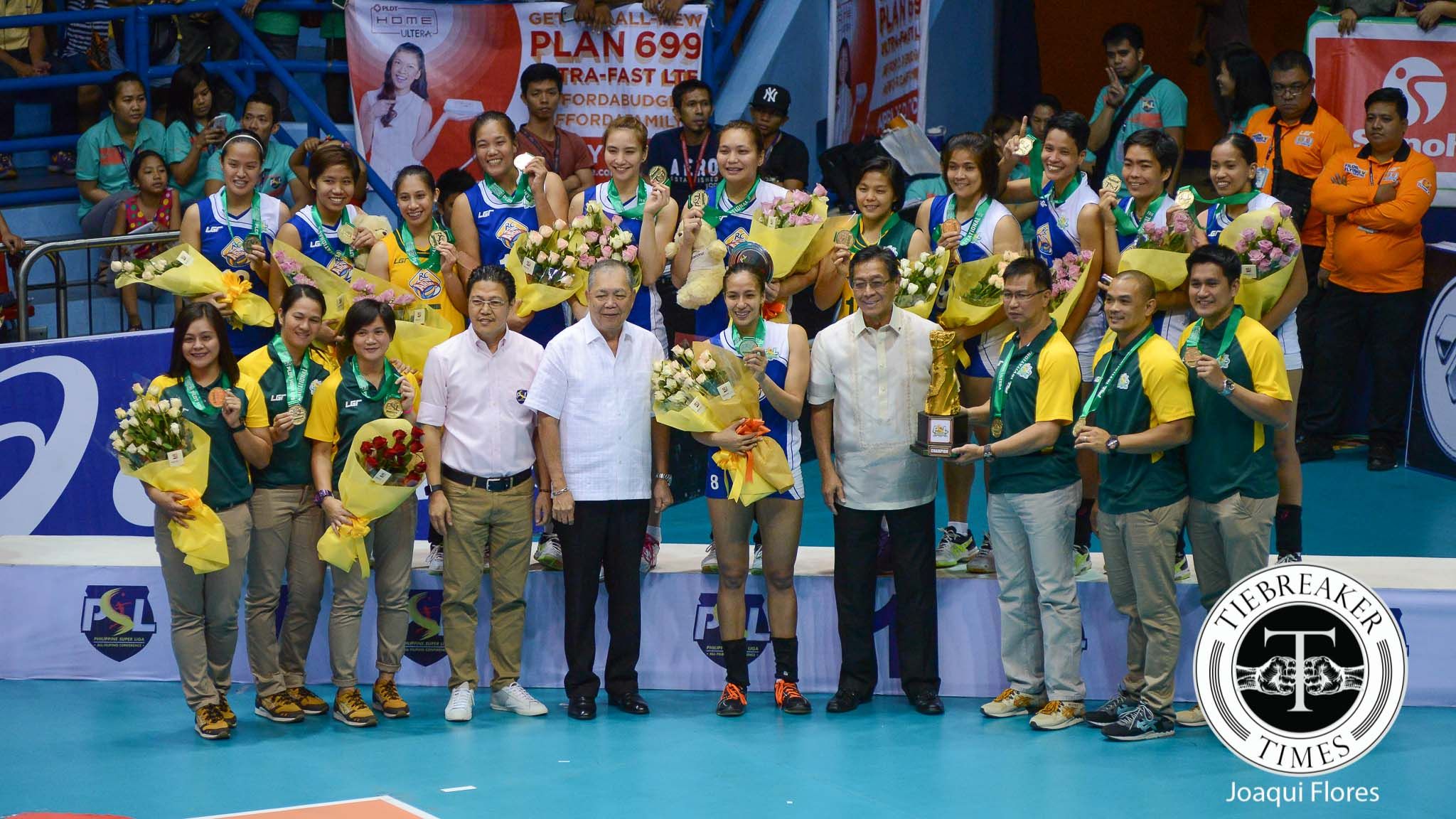 Tiebreaker Times RC Cola defeats Thailand's EST Cola, takes PSL Invitational championship News PSL Volleyball  Wipawee Srithong Sasipaporn Janthawisut Royse Tubino RC Cola Army Lady Troopers Rachel Anne Daquis PSL Invitational 2016 Kung Fu Reyes Jovelyn Gonzaga EST Cola Chuewulim Sutadta Chamnan Dokmai