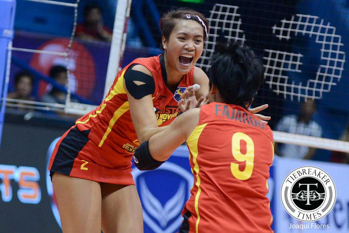Tiebreaker Times F2 Logistics nails opening day win against Cignal News PSL Volleyball  Sammy Acaylar Ramil De Jesus Len Cortel Kim Fajardo Jeanette Panaja F2 Logistics Cargo Movers Djanel Cheng Dawn Macandili Cignal HD Spikers Cherry Vivas Ara Galang Aby Marano 2016 PSL Season 2016 PSL All Filipino Conference