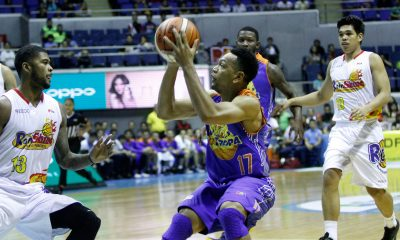Tiebreaker Times Tropang TNT comes from behind late to steal first win versus Rain or Shine Basketball News PBA  Yeng Guiao Talk N Text Tropang Texters Rain or Shine Elasto Painters PBA Season 41 Michael Madanly Mario Little JR Quinahan Jong Uichico Jayson Castro Dior Lowhorn 2016 PBA Governors Cup