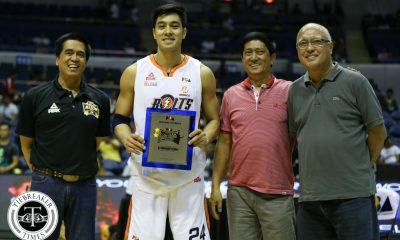 Tiebreaker Times Guevarra wins third straight Slam Dunk title in tight affair Basketball News PBA  Rey Guevarra PBA Season 41 James Forrester Franklin Bonifacio Chris Newsome 2016 PBA All Star Weekend