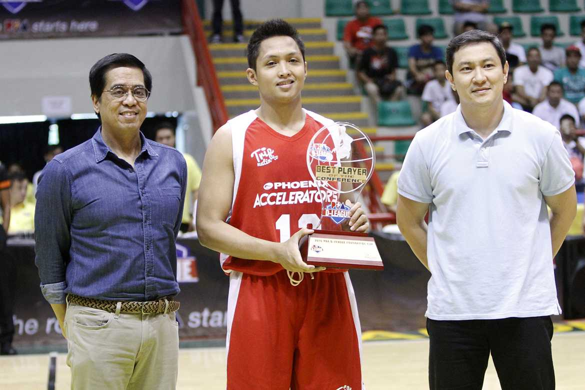 Tiebreaker Times Tolomia crowned as Foundation Cup MVP Basketball News PBA D-League  Phoenix Accelerators Mike Tolomia 2016 PBA D-League Season 2016 PBA D-League Foundation Cup