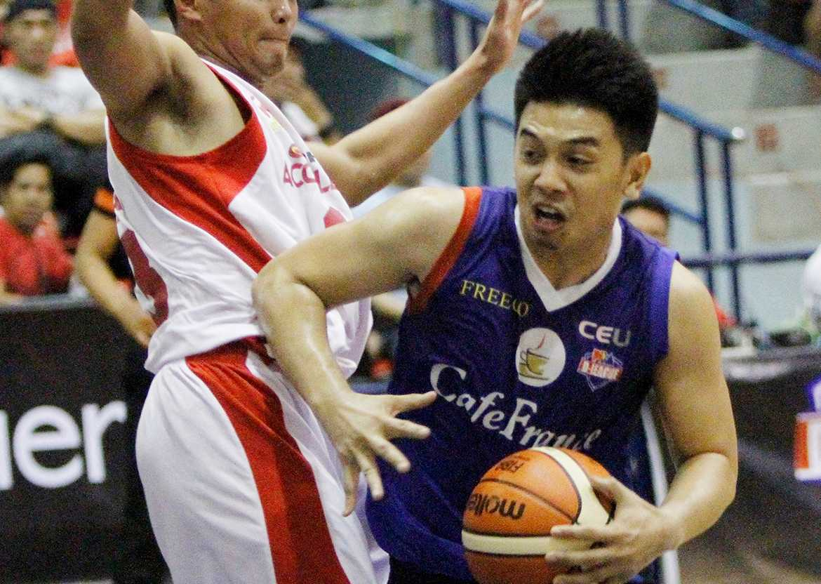 Tiebreaker Times Jeruta takes charge as Cafe France extends Phoenix series Basketball News PBA D-League  Rod Ebondo Phoenix Accelerators Mike Tolomia Mac Belo Eric Gonzales Egay Macaraya Ed Daquioag Carl Cruz Cafe France Bakers Aaron Jeruta 2016 PBA D-League Season 2016 PBA D-League Aspirants Cup