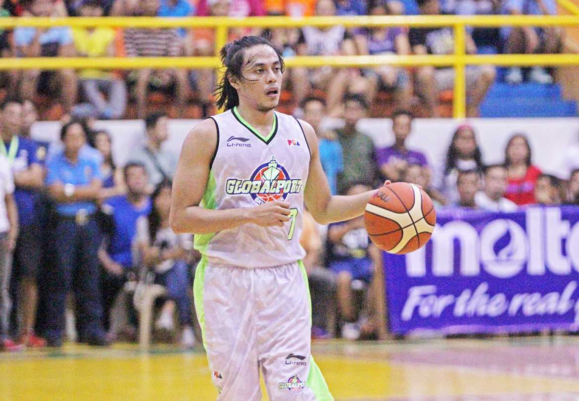Tiebreaker Times Globalport inks 3rd straight, escapes Rain or Shine in Legazpi thriller Basketball News PBA  Yeng Guiao Terrence Romeo Stanley Pringle Rain or Shine Elasto Painters PBA Season 41 Paul Lee Mike Glover Johnedel Cardel Globalport Batang Pier Dior Lowhorn Beau Belga 2016 PBA Governors Cup