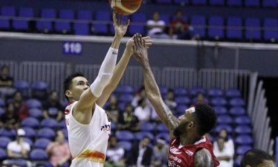 Tiebreaker Times Phoenix completes comeback to hand Mahindra's first defeat Basketball News PBA  Phoenix Fuel Masters Paolo Taha Mahindra Enforcers Lee Gwan Hee James White Eugene Phelps Cyrus Baguio Chris Gavina Ariel Vanguardia Aldrech Ramos 2016 PBA Season 2016 PBA Governors Cup