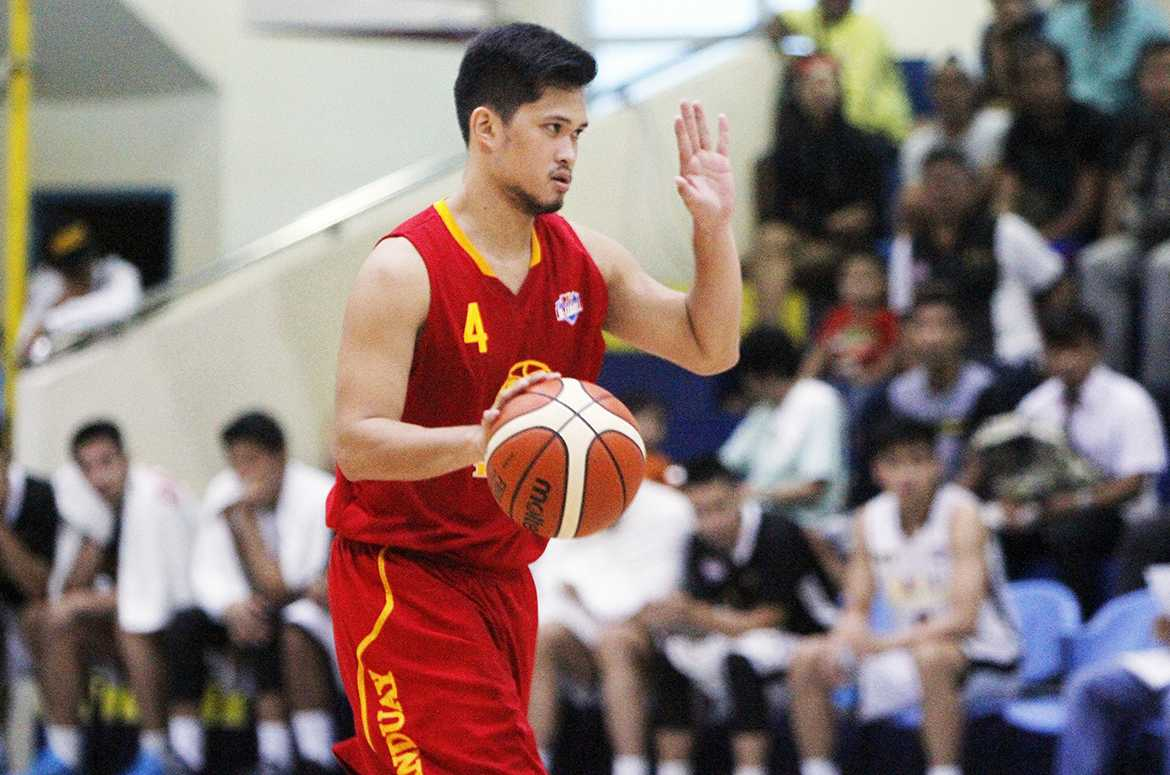 Tiebreaker Times Tanduay averts meltdown against Racal, forces do-or-die game Basketball News PBA D-League  Tanduay Rhum Masters Reden Celda Raphael Banal Racal Tile Masters Lawrence Chongson Kevin Ferrer Jonathan Grey Jamil Ortuoste Gelo Alolino Caloy Garcia 2016 PBA D-League Season 2016 PBA D-League Foundation Cup
