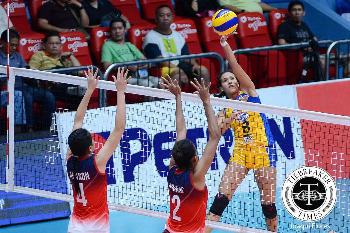 Tiebreaker Times Army makes one last push, wins bronze over Petron News PSL Volleyball  Tin Agno Sarah Gonzales Royse Tubino RC Cola Army Lady Troopers Petron Tri-activ Spikers Kungfu Reyes Jovelyn Gonzaga Jessey De Leon George Pascua Bernadeth Pons 2016 PSL Season 2016 PSL All Filipino Conference