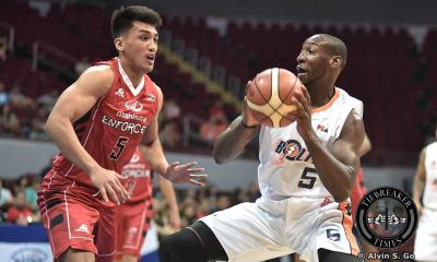 Tiebreaker Times Meralco hangs on against Mahindra to keep twice-to-beat hopes alive Basketball News PBA  PBA Season 41 Norman Black Meralco Bolts Mahindra Enforcers LA Revilla Josh Durham Jared Dillinger James White Chris Newsome Chris Gavina Aldrech Ramos 2016 PBA Governors Cup