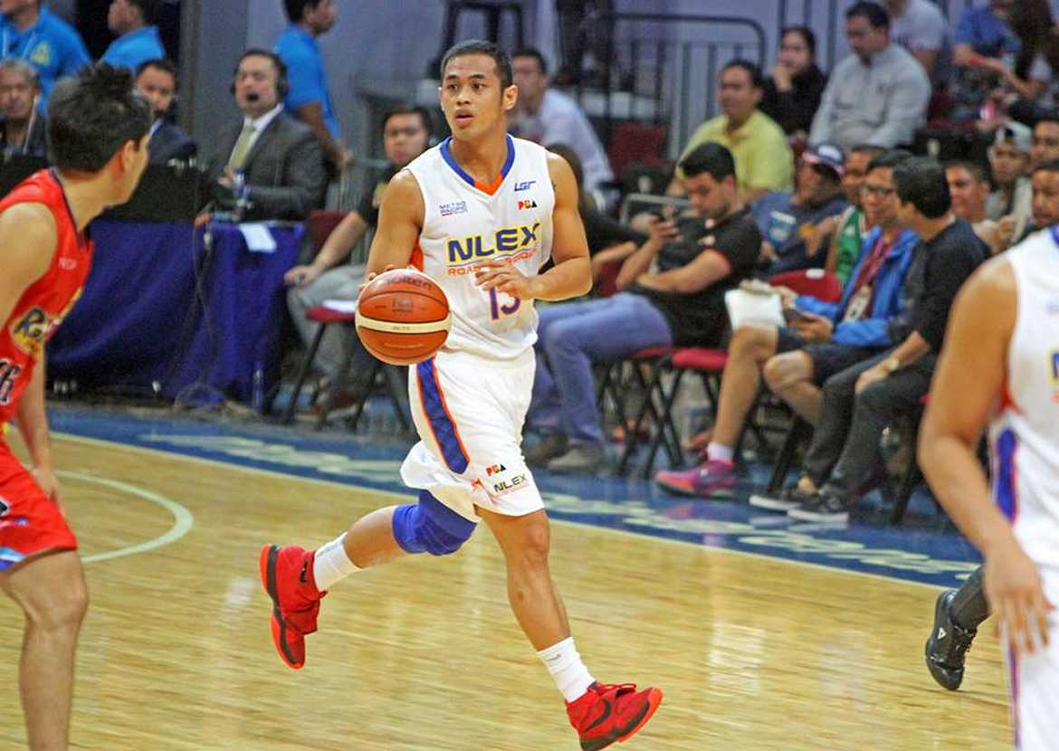Tiebreaker Times NLEX breaks past Rain or Shine to keep playoff bid alive Basketball News PBA  Rain or Shine Elasto Painters PBA Season 41 Paul Lee NLEX Road Warriors Jericho Cruz Jeff Chan Henry Walker Garvo Lanete Enrico Villanueva 2016 PBA Governors Cup