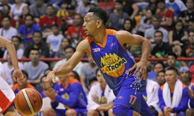 Tiebreaker Times TNT shrugs off Ginebra rally to end elims on top Basketball News PBA  Tim Cone Talk N Text Tropang Texters PBA Season 41 Mychal Ammons Michael Madanly LA Tenorio Justin Brownlee Jong Uichico Jayson Castro Japeth Aguilar Barangay Ginebra San Miguel 2016 PBA Governors Cup