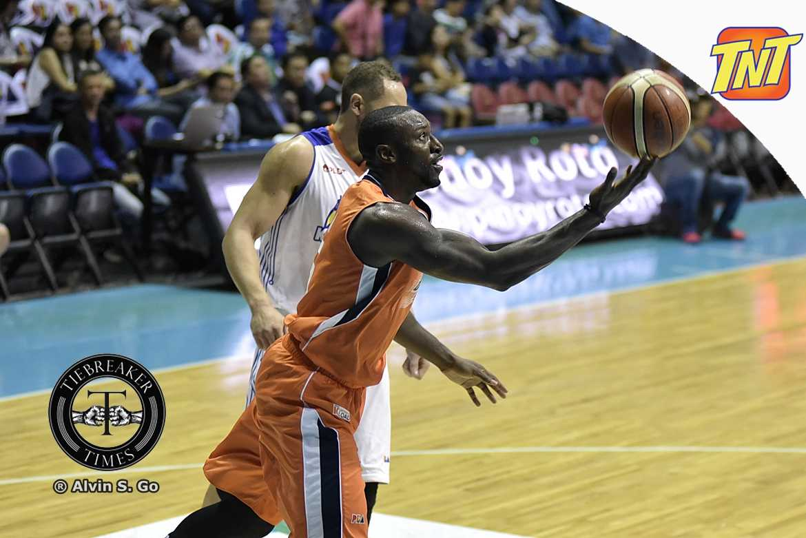 Philippine Sports News - Tiebreaker Times Allen Durham's 20-20 aids Meralco stave off Star, seals QF berth Basketball News PBA  Star Hotshots PBA Season 42 Norman Black Meralco Bolts Malcolm Hill Jiovani Jalalon Ian Sangalang Cliff Hodge Chris Newsome Chito Victolero Baser Amer Allen Durham 2017 PBA Governors Cup