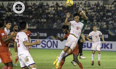 Tiebreaker Times 10-man Singapore hold Philippines to goalless draw 2016 AFF Suzuki Cup (Philippines) Football News Philippine Azkals  V. Sundramoorthy Thomas Dooley Singapore (Football) Roland Muller