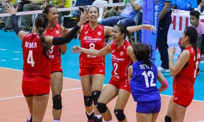 Tiebreaker Times Niemer musters marvelous game to push Petron to Finals News PSL Volleyball  Stephanie Niemer Shaq delos Santos Ramil De Jesus Petron Tri-activ Spikers Jen Reyes Hayley Spelman F2 Logistics Cargo Movers Ces Molina April Hingpit Aiza Maizo-Pontillas Aby Marano 2016 PSL Season 2016 PSL Grand Prix