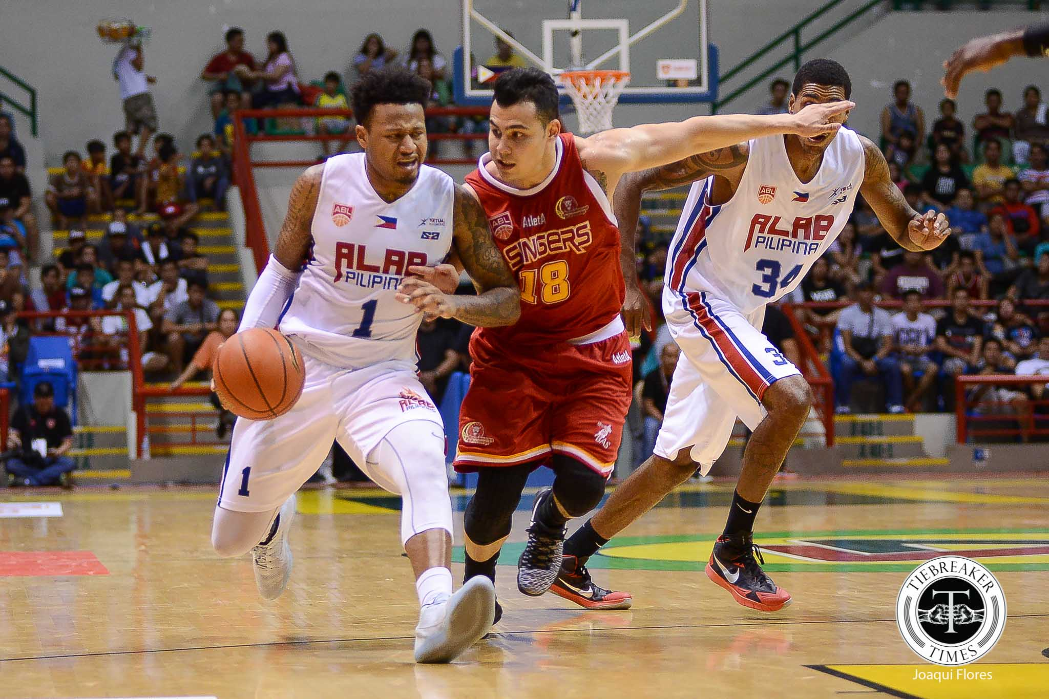 Tiebreaker Times Slingers spoil Ravena's debut, cruise past Alab to take Game 1 ABL Alab Pilipinas News  Xavier Alexander Wei Long Wong Singapore Slingers Mac Cuan Kiefer Ravena Justin Howard James Hughes 2016 ABL Season