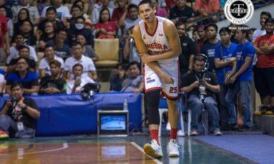 Tiebreaker Times Japeth Aguilar hyper-extends elbow; Cone worried Basketball News PBA  Tim Cone PBA Season 42 Japeth Aguilar Barangay Ginebra San Miguel 2016-17 PBA All Filipino Conference