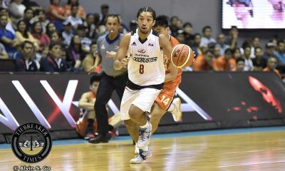 Tiebreaker Times Throwback performance for gunslinging Paniamogan Basketball News PBA  Philip Paniamogan PBA Season 42 Mahindra Floodbuster 2016-17 PBA All Filipino Conference