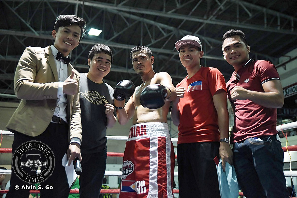 Tiebreaker Times Barriga, Francisco pick up wins in Makati Boxing News  Mark Anthony Barriga Junar Adante Joven Sports Promotions Drian Francisco Daniel Lim