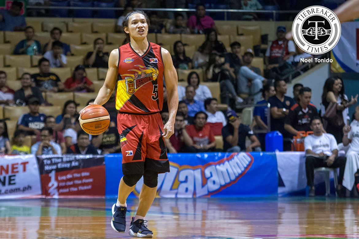 Tiebreaker Times With Pacquiao in attendance, San Miguel beats down Mahindra for fourth straight win Basketball News PBA  San Miguel Beermen Reden Celda PBA Season 42 Marcio Lassiter Manny Pacquiao Mahindra Floodbuster Leo Austria Keith Wright Gary David Charles Rhode Alex Cabagnot 2017 PBA Commissioners Cup