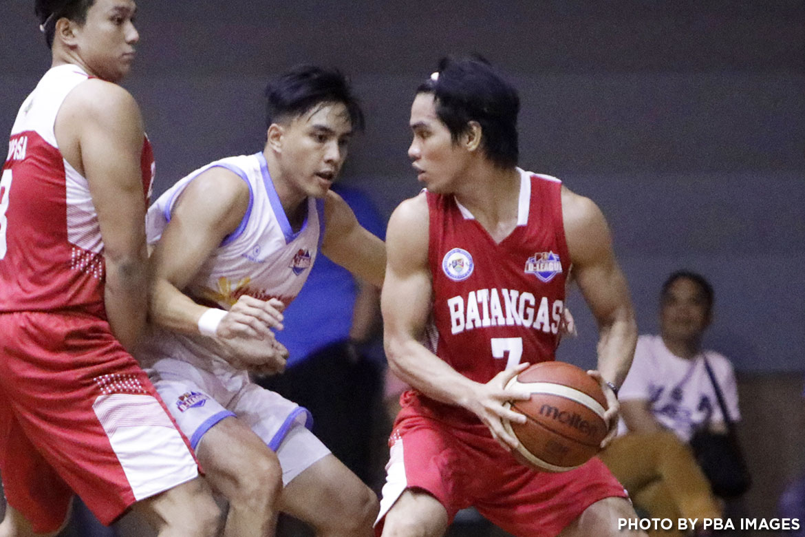Tiebreaker Times Team Batangas spoils Marinerong Pilipino's debut Basketball News PBA D-League  Team Batangas Pao Javelona Marinerong Pilipino Koi Banal Julian Sargent Joseph Sedurifa Jeff Javillonar Eric Gonzales Earvin Mendoza Cedric De Joya 2017 PBA D-League Season 2017 PBA D-League Foundation Cup