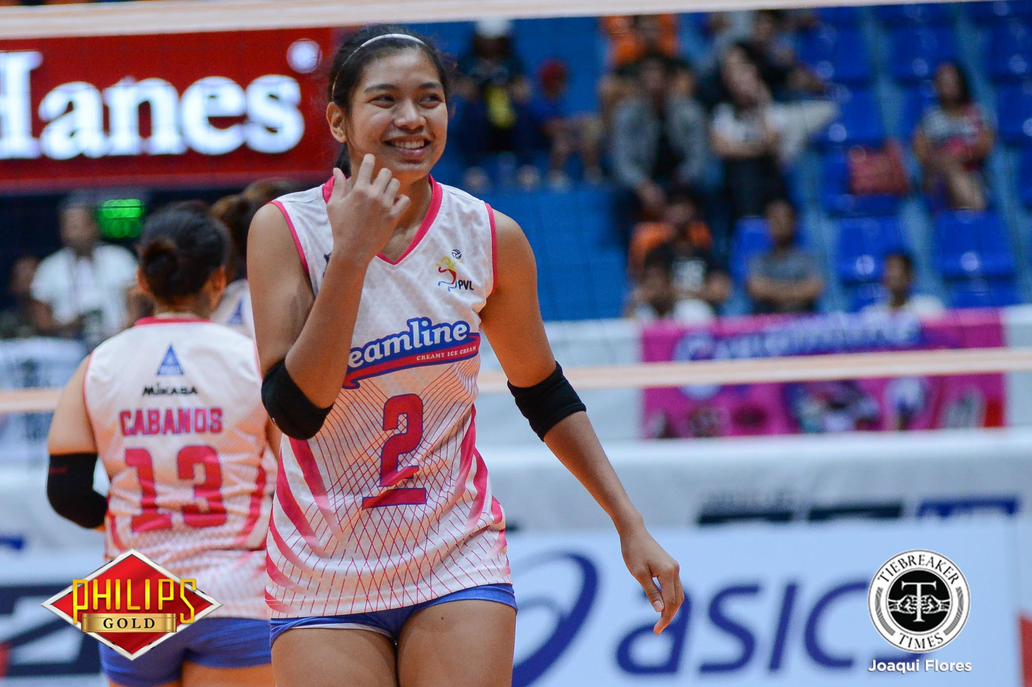 Tiebreaker Times Creamline drags Perlas into quarters News PVL Volleyball  Tai Bundit Rupia Inck Perlas Lady Spikers Kuttika Kaewpin Jerry Yee Creamline Cool Smashers Cesca Racraquin Amy Ahomiro Alyssa Valdez Alex Cabanos 2017 PVL Women's Reinforced Conference 2017 PVL Season
