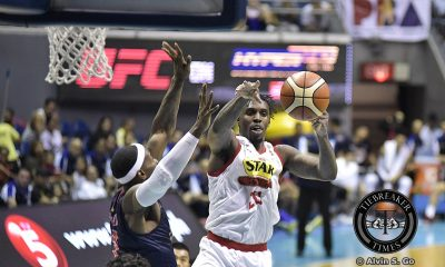 Tiebreaker Times Star dethrones Rain or Shine, seals semis clash with San Miguel Basketball News PBA  Star Hotshots Ricardo Ratliffe Rain or Shine Elasto Painters PBA Season 42 Paul Lee Mark Barroca Duke Crews Chito Victolero Caloy Garcia 2017 PBA Commissioners Cup