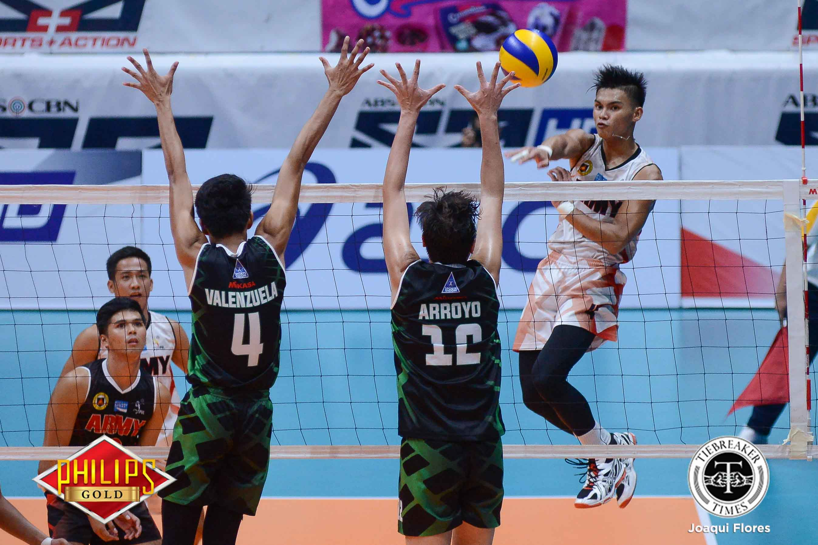 Tiebreaker Times Army troops to semis with win over IEM News PVL Volleyball  Timothy Tajanlangit Romnick Rico Rico De Guzman Philippine Army Troopers Jason Uy IEM Volley Masters Greg Dolor Ernesto Balubar Army Troopers Anthony Arbasto 2017 PVL Season 2017 PVL Men's Reinforced Conference