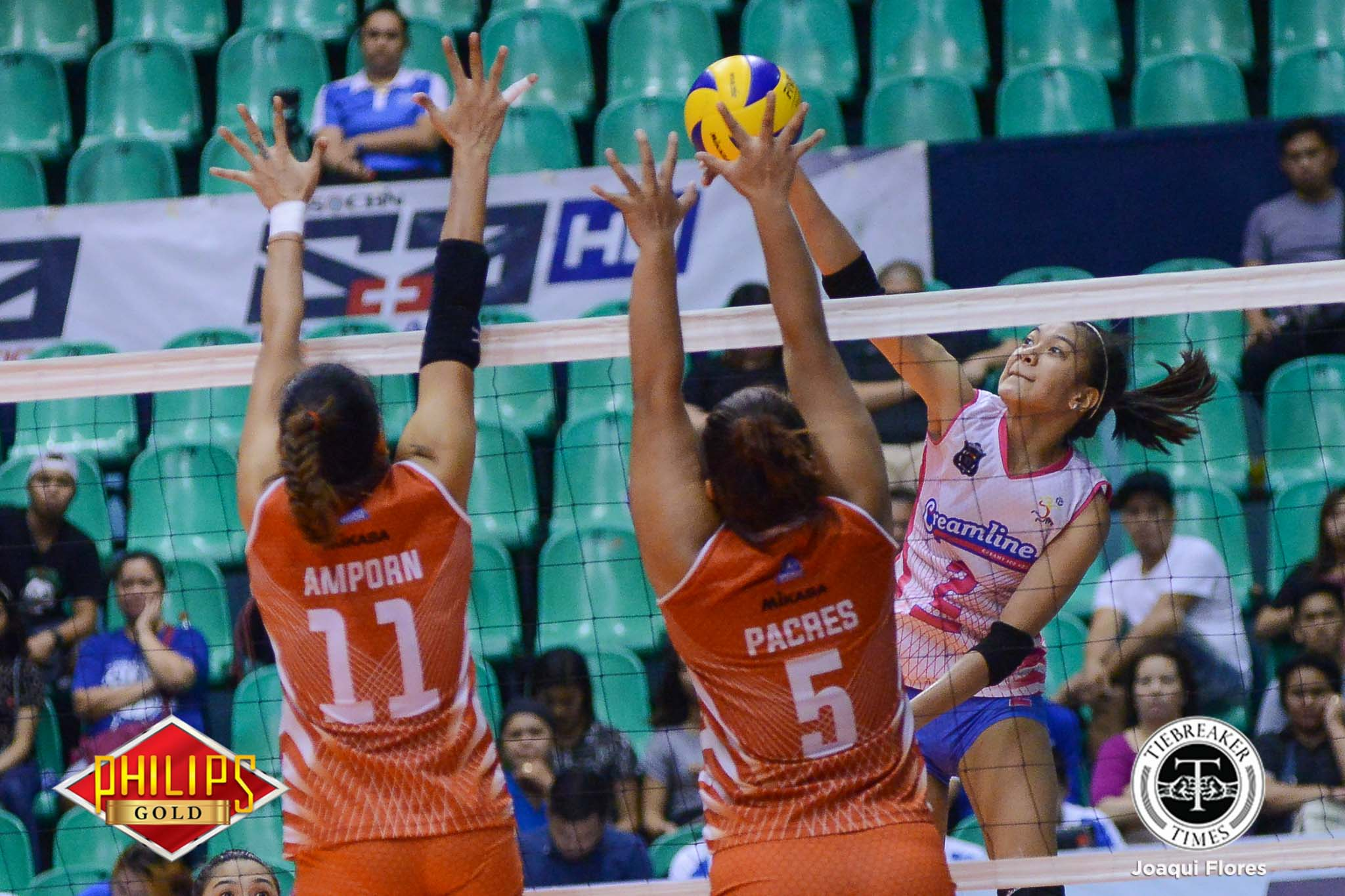 Tiebreaker Times Creamline gains foothold on third place, slams Power Smashers News PVL Volleyball  Power Smashers Oliver Almadro Nes Pamilar Kuttika Kaewpin Kannina Thipachot Creamline Cool Smashers Cesca Racraquin Alyssa Valdez Alex Cabanos 2017 PVL Women's Reinforced Conference 2017 PVL Season