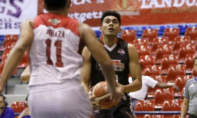 Tiebreaker Times Cignal escapes Batangas for sixth straight win Basketball News PBA D-League  Province of Batangas (PBA D-League) Oping Sumalinog Jason Perkins Eric Gonzales CJ Isit Cignal HD Hawkeyes Boyet Fernandez 2017 PBA D-League Season 2017 PBA D-League Foundation Cup