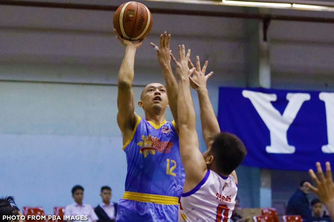 Tiebreaker Times Marinerong Pilipino marches on to the playoffs Basketball News PBA D-League  Mark Isip Mark Herrera Marinerong Pilipino Koy Banal Junjun Alas Julian Sargent Embons Bonleon Donald Gumaru Daniel Salonga AMA Online Education Titans 2017 PBA D-League Season 2017 PBA D-League Foundation Cup