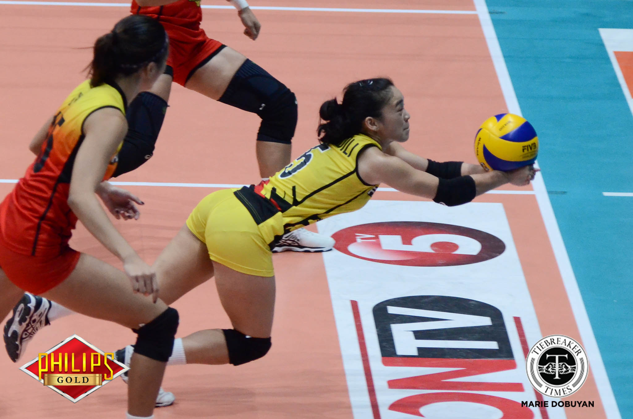 Philippine Sports News - Tiebreaker Times RDJ confident in 'world-class' libero Dawn Macandili News PSL Volleyball  Ramil De Jesus F2 Logistics Cargo Movers Dawn Macandili 2017 PSL Season 2017 PSL Grand Prix