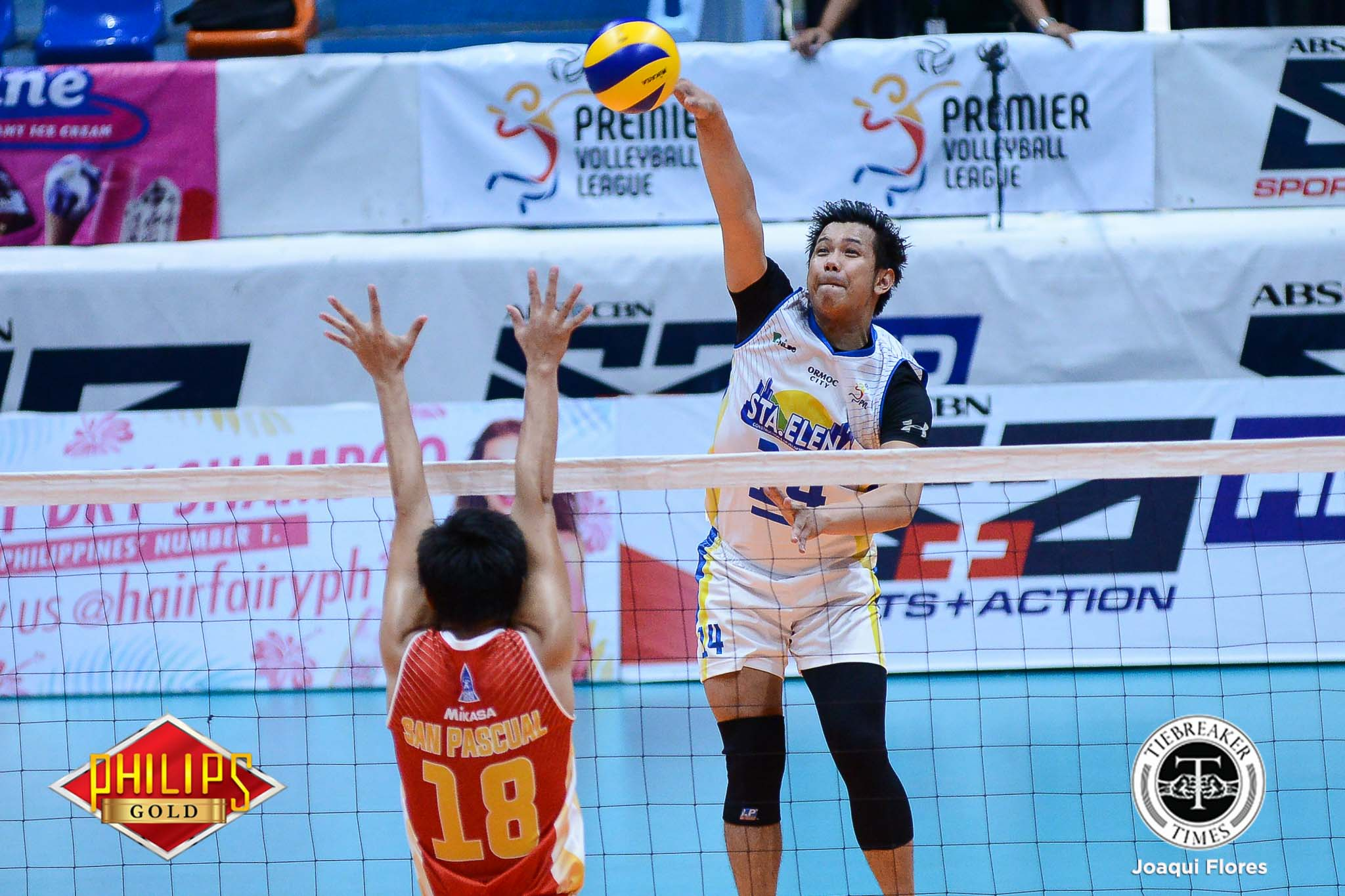 Tiebreaker Times Sta. Elena fends off pressure, Cafe Lupe to force playoff against Army News PVL Volleyball  Sta. Elena Wrecking Balls Rod Palmero Nico Ramirez John Millete Isaah Arda Cafe Lupe Sunrisers Berlin Paglinawan Arnold Laniog Ajian Dy 2017 PVL Season 2017 PVL Men's Open Conference