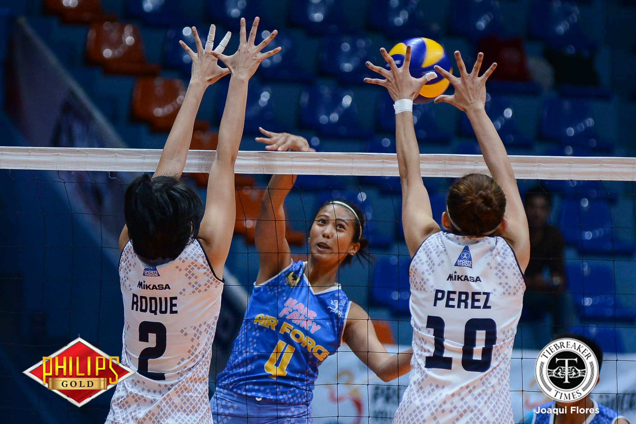 Philippine Sports News - Tiebreaker Times Hair Fairy-Air Force clinches semis slot, sends Akari-Adamson packing AdU News PVL Volleyball  Wendy Semana Mae Crisosotomo Jocemer Tapic Jema Galanza Jasper Jimenez Iari Yongco Airess Padda Air Force Jet Spikers Adamson Women's Volleyball 2017 PVL Women's Open Conference 2017 PVL Season