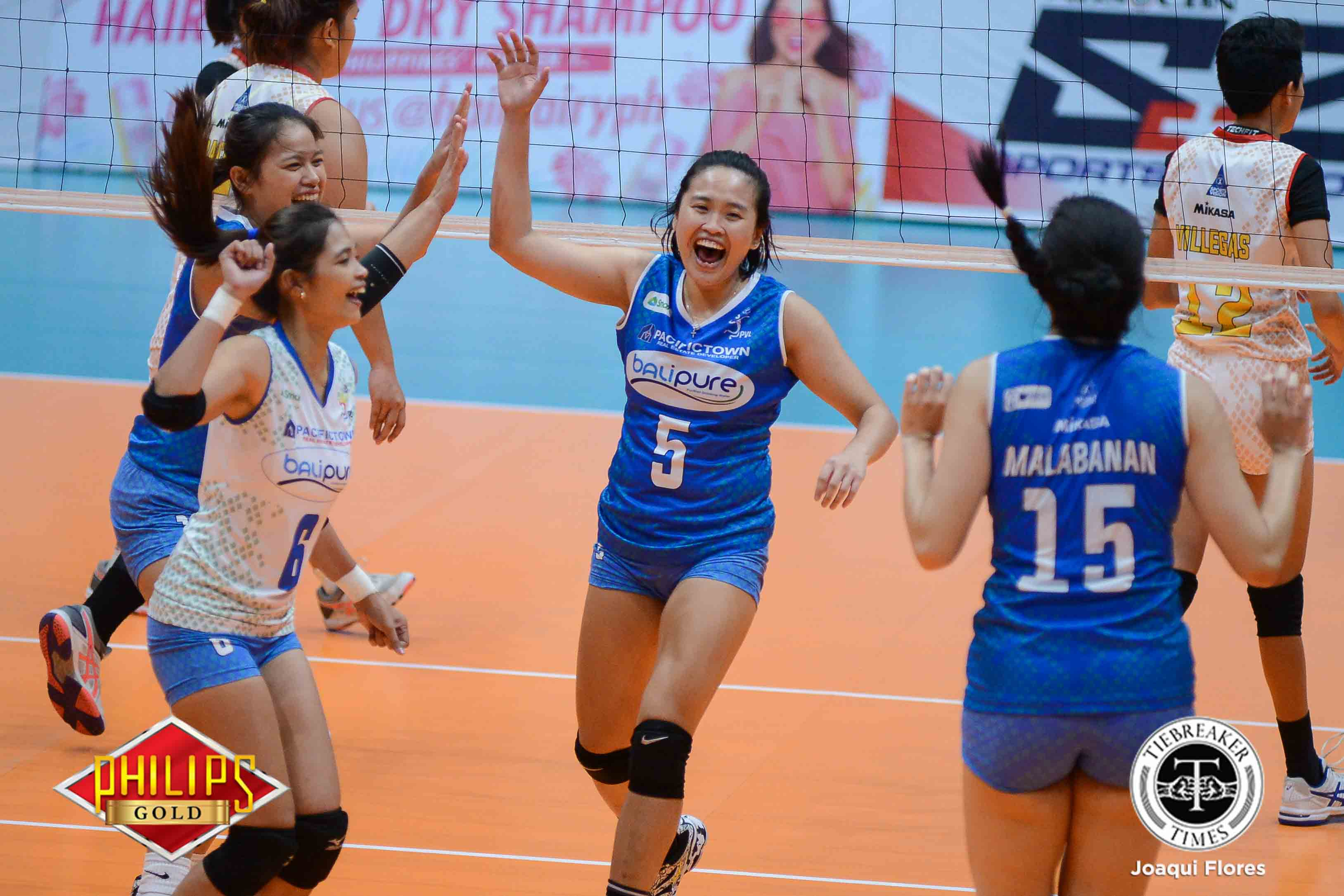 Philippine Sports News - Tiebreaker Times Soltones, Bali Pure outlast Power Smashers for first win News PVL Volleyball  Roger Gorayeb Risa Sato Regine Arocha Power Smashers Pocari Sweat Lady Warriors Nes Pamilar Mary Pacres Lizlee Ann Gata-Pantone Jasmine Nabor Grethcel Soltones 2017 PVL Women's Open Conference 2017 PVL Season