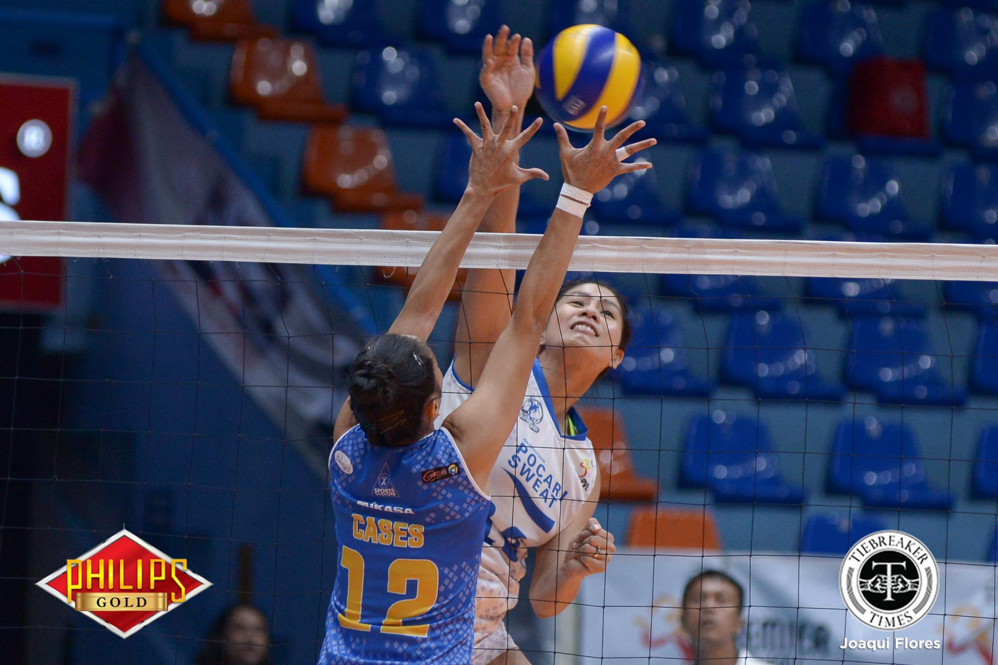 Philippine Sports News - Tiebreaker Times Pocari Sweat breaks Air Force's heart anew to advance to fourth straight Finals News PVL Volleyball  Rico De Guzman Pocari Sweat Lady Warriors Myla Pablo Melissa Gohing Jeanette Panaga Jasper Jimenez Heather Guino-o Gyzelle Sy Air Force Jet Spikers 2017 PVL Women's Open Conference 2017 PVL Season