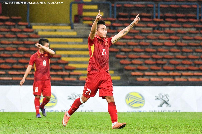 Philippine Sports News - Tiebreaker Times Vietnam rout condemns Philippines to back-to-back losses 2017 SEA Games Football News Philippine Azkals  RJ Joyel Marlon Maro