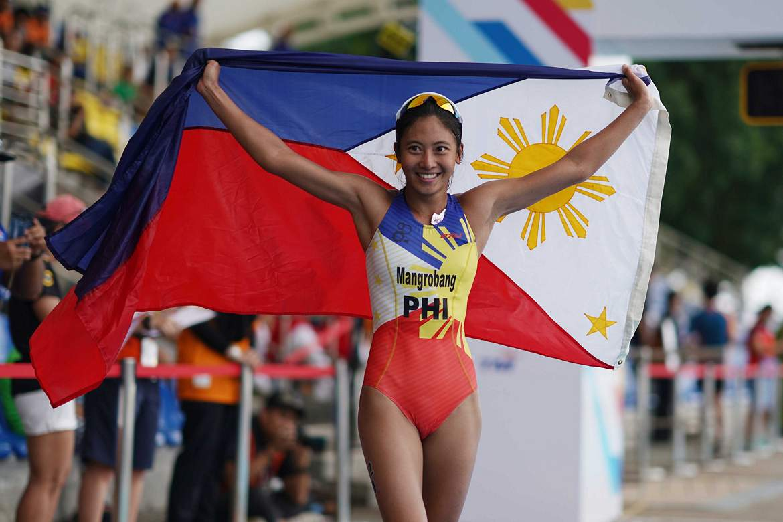 Philippine Sports News - Tiebreaker Times Kim Mangrobang, Claire Adorna complete Philippines' triathlon domination 2017 SEA Games News Triathlon  Kim Mangrobang Claire Adorna 2017 SEA Games - Triathlon