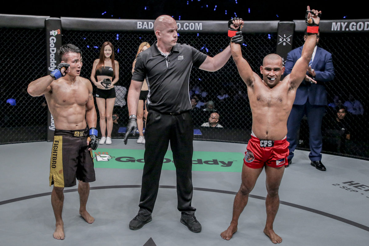 Philippine Sports News - Tiebreaker Times Catalan bros take home contrasting results Mixed Martial Arts News ONE Championship  Robin Catalan Rene Catalan ONE: Quest for Greatness