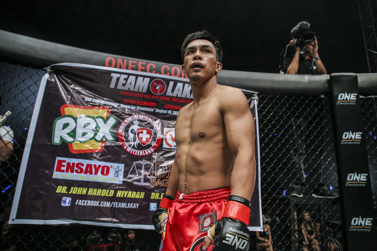 Philippine Sports News - Tiebreaker Times Kevin Belingon KO's Reece McLaren to secure title shot; Edward Kelly outpointed by Emilio Urrutia Mixed Martial Arts News ONE Championship  Team Lakay Reece McLaren ONE: Quest for Greatness Kevin Belingon Edward Kelly
