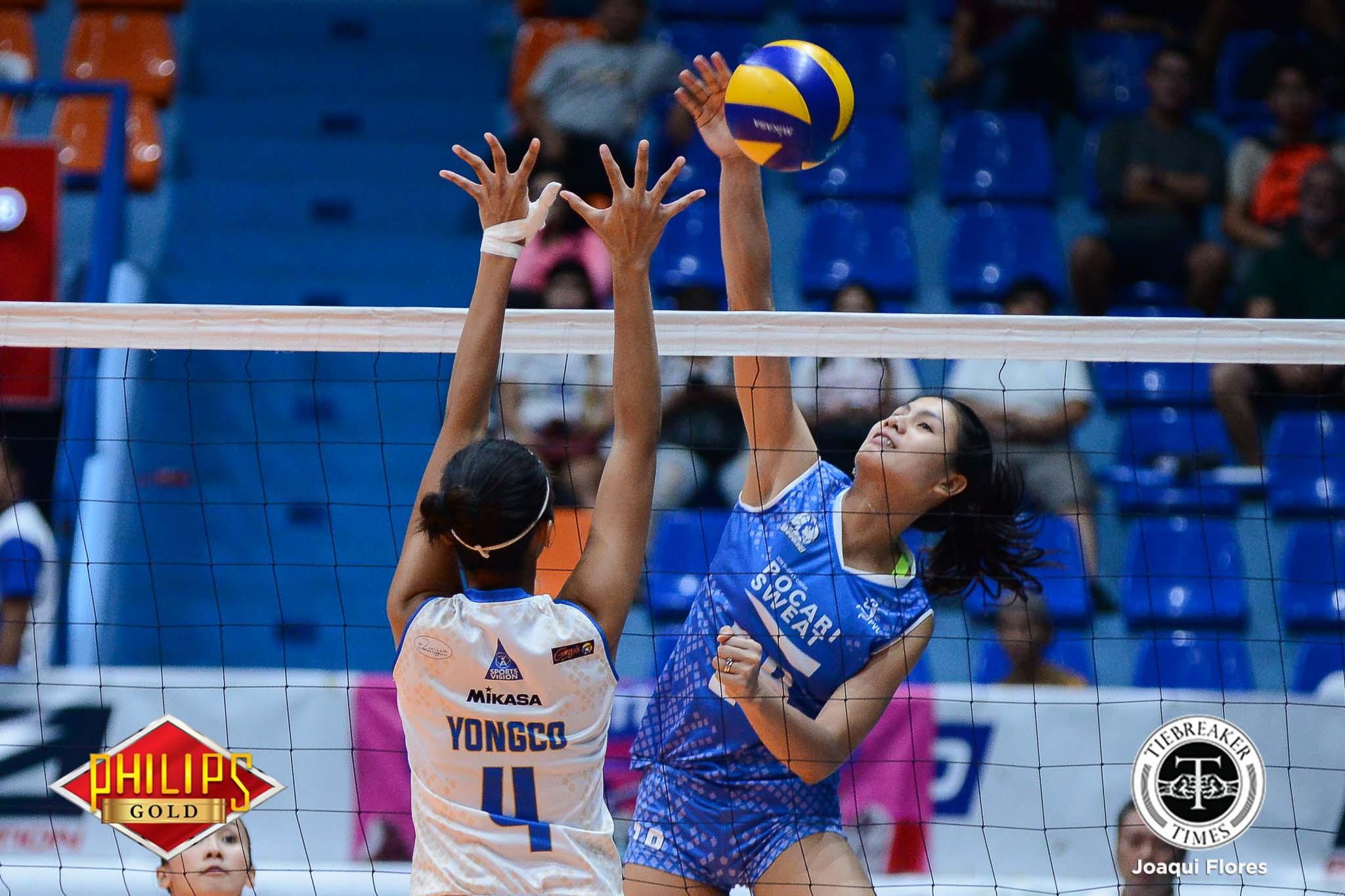 Philippine Sports News - Tiebreaker Times Gutsy Pocari Sweat stays alive News PVL Volleyball  Rico De Guzman Pocari Sweat Lady Warriors Myla Pablo Melissa Gohing Joy Cases Jeanette Panaga Jasper Jimenez Gyzelle Sy Dell Palomata Air Force Jet Spikers 2017 PVL Women's Open Conference 2017 PVL Season