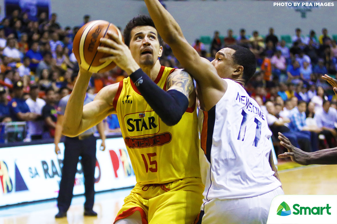 Philippine Sports News - Tiebreaker Times Marc Pingris laments Star's late-game collapse: 'Nag-give up pa kami, fourth quarter pa' Basketball News PBA  Star Hotshots pba sesaon 42 Marc Pingris 2017 PBA Governors Cup
