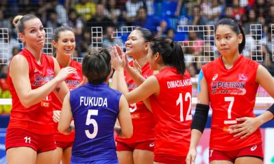 Tiebreaker Times Petron keeps perfect record intact, deals Cignal second loss News PSL Volleyball  Yuri Fukuda Shaq delos Santos Rhea Dimaculangan Rachel Daquis Petron Blaze Spikers Lindsay Stalzer Jovelyn Gonzaga Hillary Hurley George Pascua Cignal HD Spikers Chooks-to-Go Ces Molina Beth Carey 2017 PSL Season 2017 PSL Grand Prix